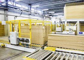 Materialtransport zwischen Maschinen